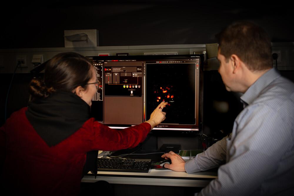 Advanced Light Microscopy Facility – This facility offers a ...