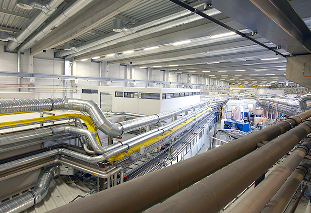 Guests from Life Science Nord visted the EMBL beamlines at the PETRA III synchrotron ring in Hamburg. PHOTO: EMBL Photolab/Udo Ringeisen