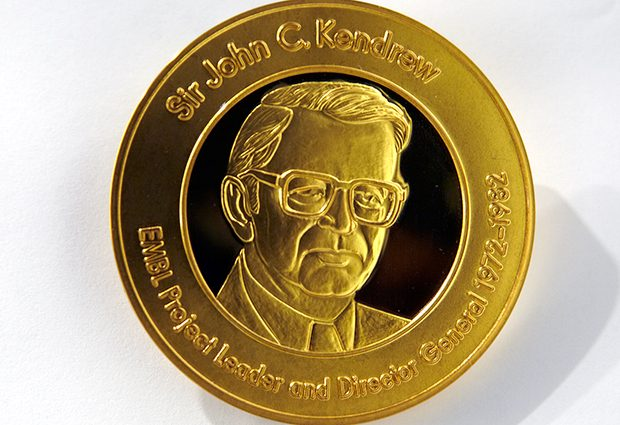 Both the John Kendrew and Lennart Philipson Awards consist of a gold medal and a cash prize of €5,000, presented in recognition of the very special work of alumni. PHOTO: EMBL Photolab