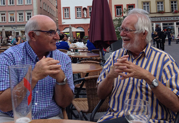 Alasdair McDowall (left), an EMBL research technician 1978-1987, and Jacques Dubochet (right), EMBL group leader 1978-1987, together in Heidelberg