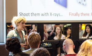 Inga Pfeffer engaging the audience in Hamburg.