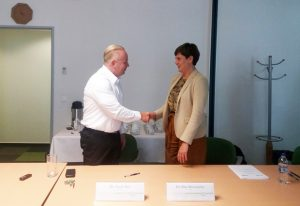 Silke Schumacher, EMBL Director of International Relations, and Tamás Bíró, HCEMM Director General, at the signing of the Partnership Agreement. PHOTO: NRDI Office, Hungary