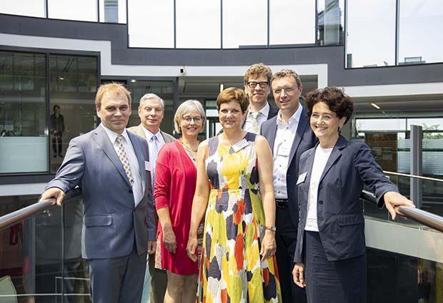 Representatives of Estonia and EMBL.