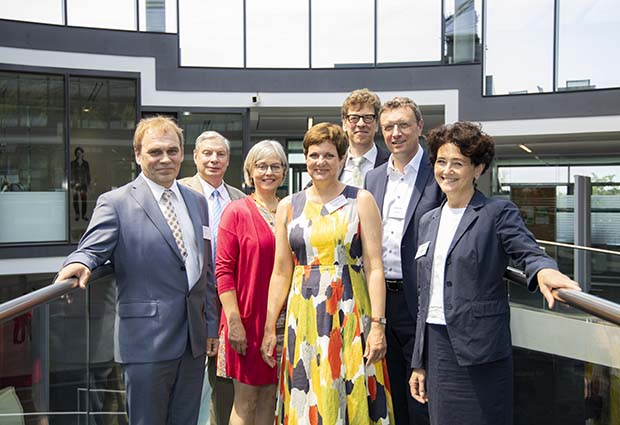 Representatives of Estonia and EMBL.