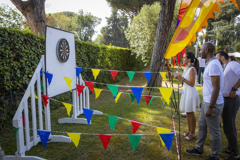 Lunch and talks were followed by an afternoon of fun in the garden. PHOTO: Massimo Del Prete/EMBL