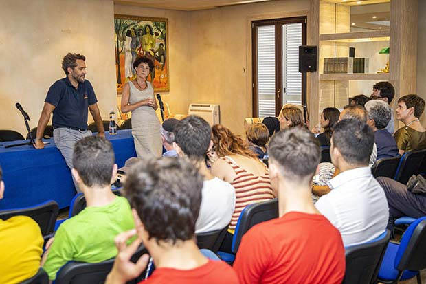 Romain Troublé and Edith Heard at the scientific conference